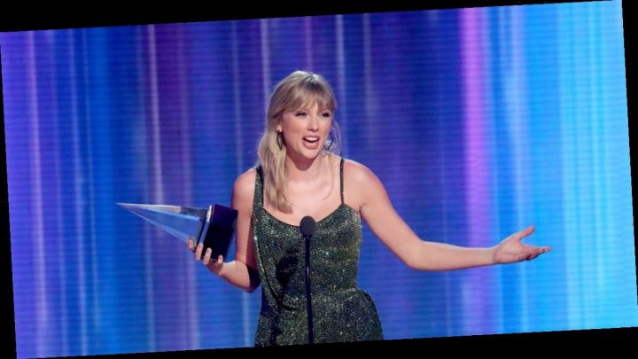 American Music Awards: Taylor Swift thanks current record label amid rights row