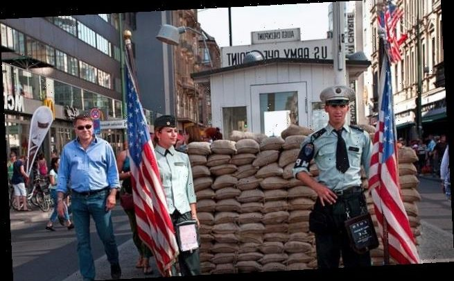 Actors are banned from dressing as US soldiers at Checkpoint Charlie
