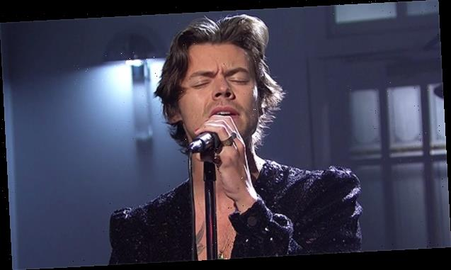 'SNL': Harry Styles Rocks Glittery Jumpsuit For Slow, Sexy Version Of 'Lights Up'