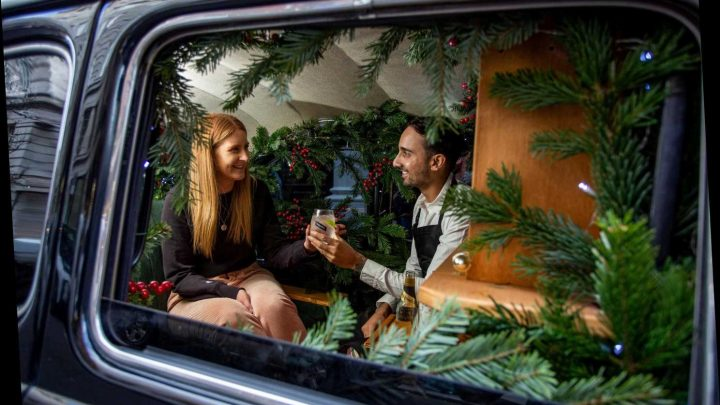 World's smallest gin bar in back of a London taxi gives commuters a tonic – The Sun