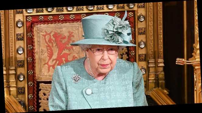 The Internet Is Confused — Is Queen Elizabeth's Coat Green or Blue?