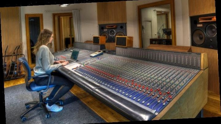 Women Who Man the Boards: Five Engineers Powering Today's Hitmakers Sessions
