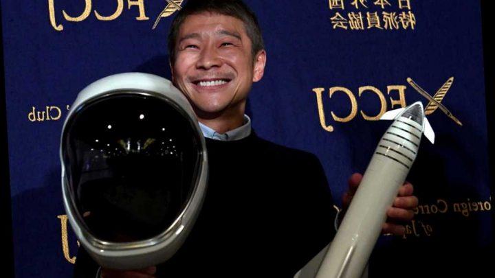 Japanese billionaire Yusaku Maezawa is giving away $9 million on Twitter