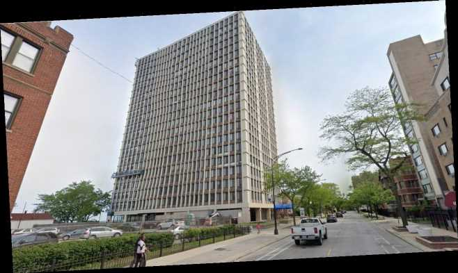 Chicago woman jumps out 11th floor window with son, 1, after stabbing her father: report