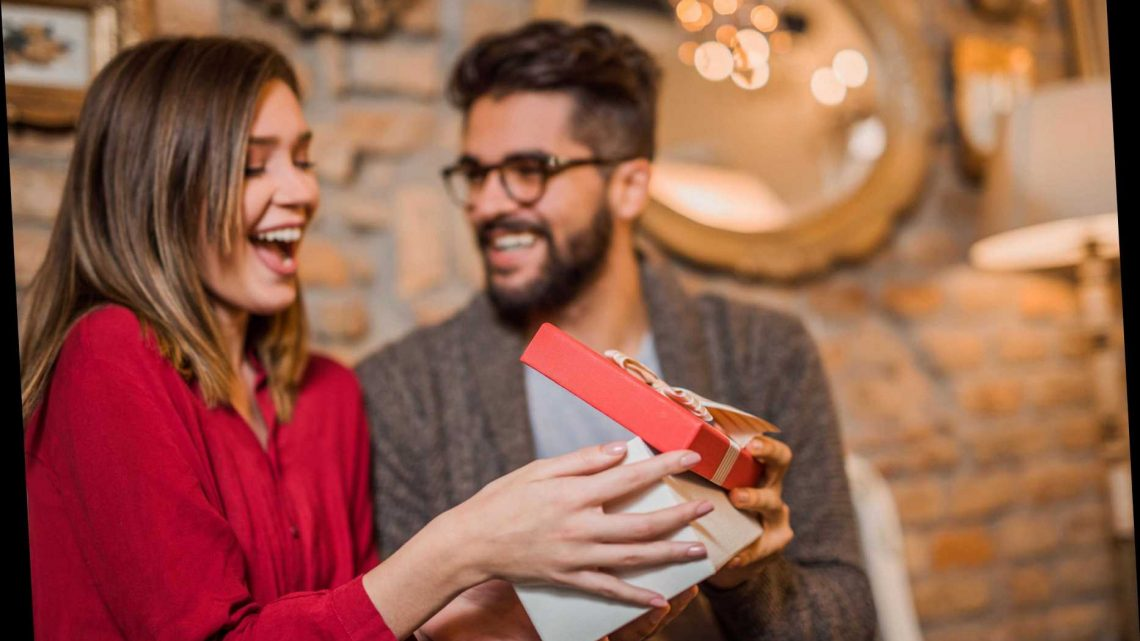 Last Minute Valentine's Day Gifts 2020 – From Experience Days to Jewellery