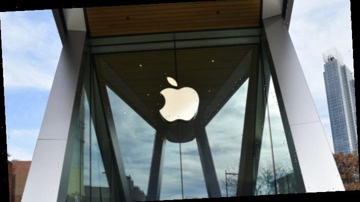Apple Closes All Stores Outside China for Two Weeks Because of Coronavirus