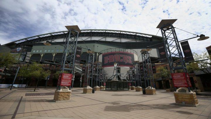 Baseball fans sue MLB, teams over ticket money
