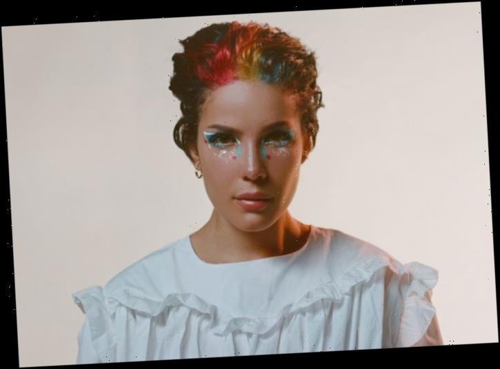 Halsey Performs Acoustic Set To Benefit LGBTQ Students