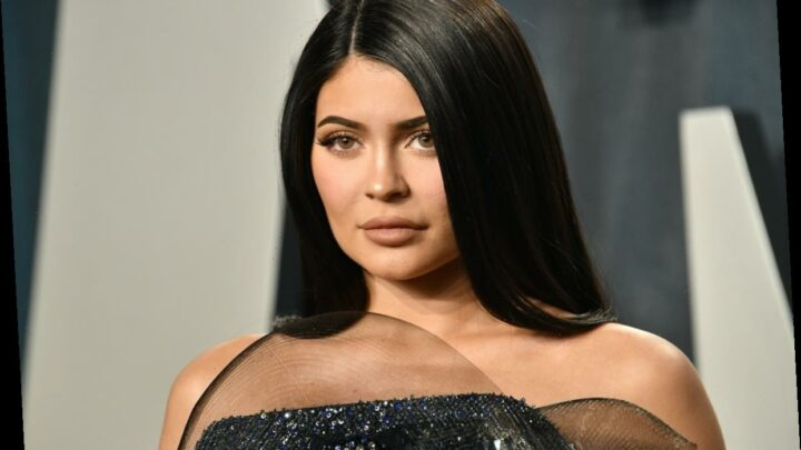 Kylie Jenner Was Slammed For Not Tagging Brands On Instagram & These Stars Are Defending Her