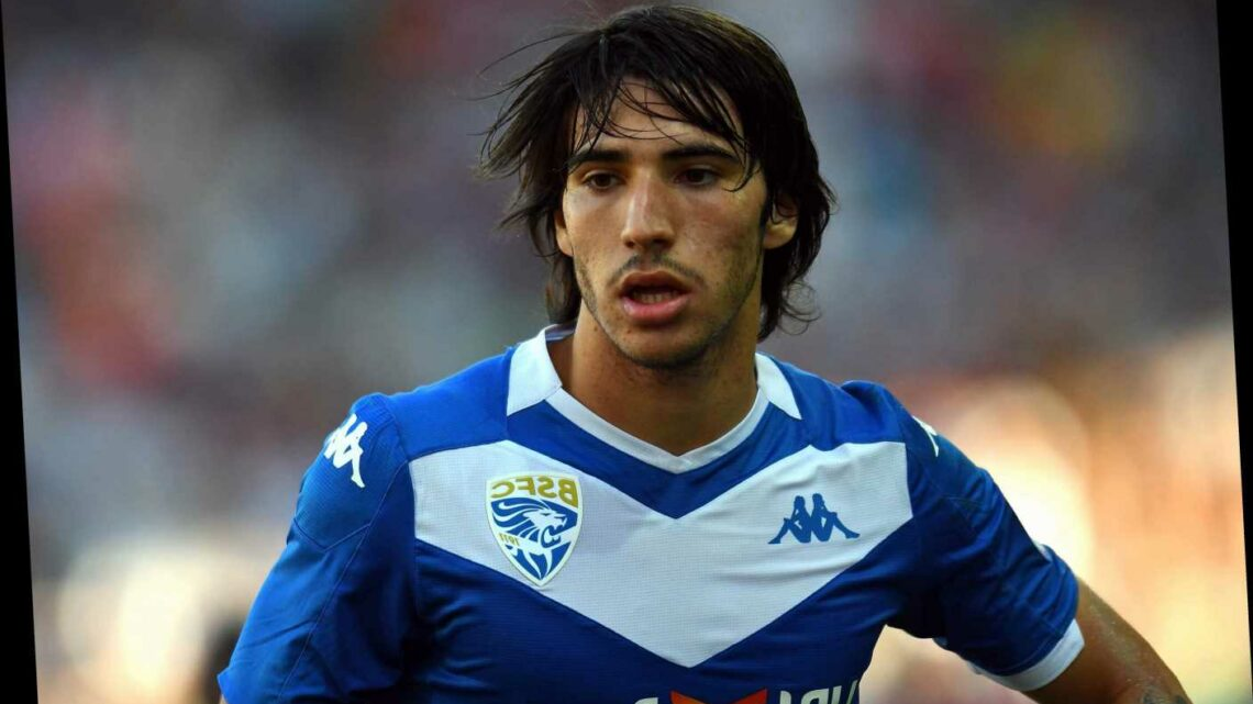 Man United make transfer approach to sign Brescia's 'new Andrea Pirlo' Sandro Tonali with Inter Milan also keen