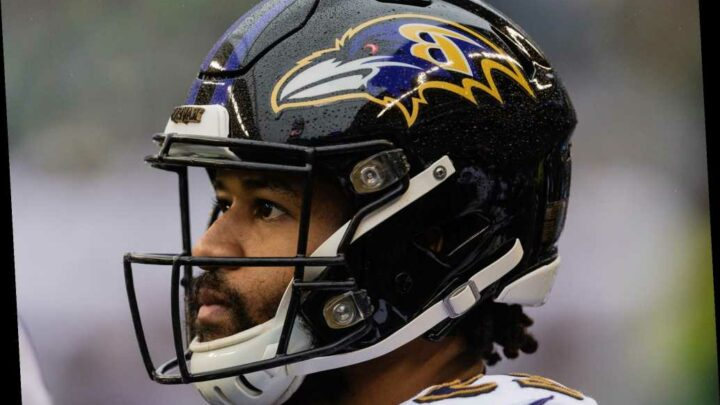Ravens cut Earl Thomas after he punched teammate at practice