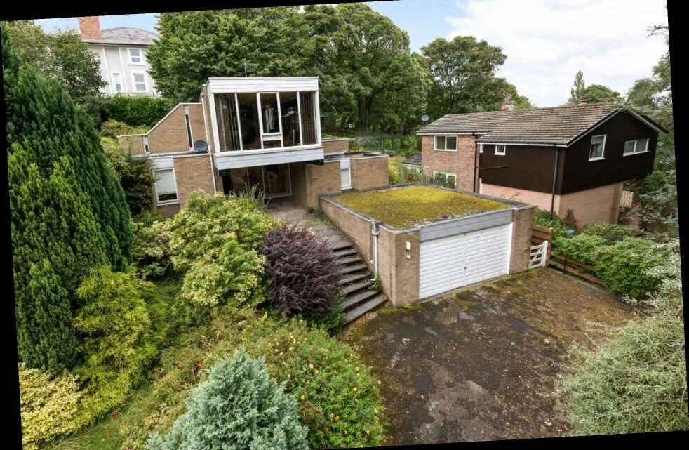 Time capsule home on sale for £400,000 in Wigan hides incredible 70s interior with shag carpets and orange sofa