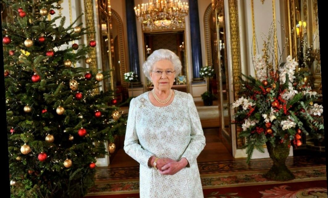 This Is Queen Elizabeth II's Most Bizarre Dinner Table Rule