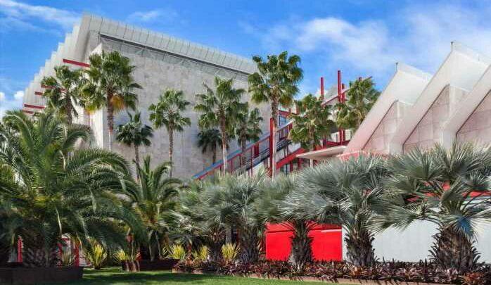 Collectors, Artists Push LACMA to Nix Billionaire Board Member