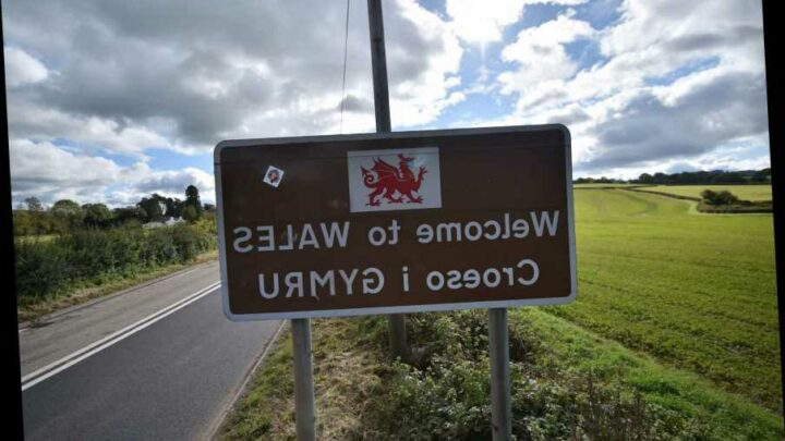 Wales to BAN English people from Covid hotspots visiting from Friday