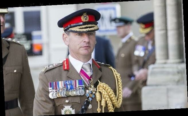 Army loses a top general… after he was dropped in the WRONG FIELD