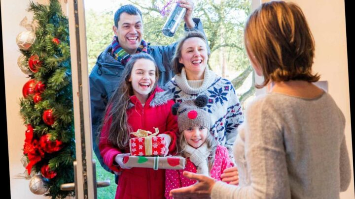 Christmas rules: 3 households will be able to form covid bubble for 5 days – but not in the pub