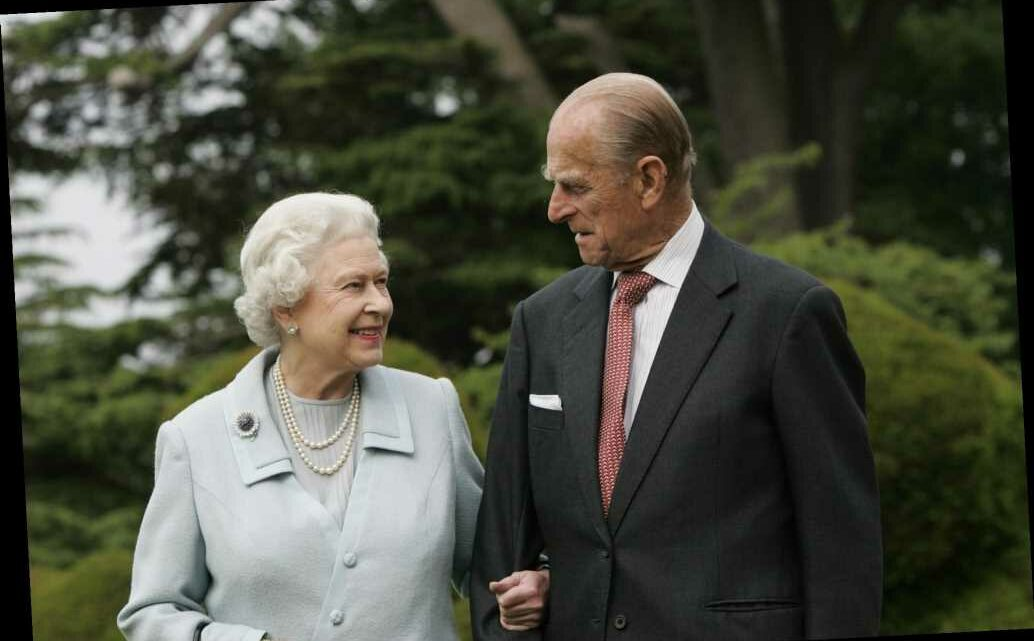 Queen Elizabeth and Prince Philip's 73rd Anniversary Portrait Has a Super-Sweet Detail
