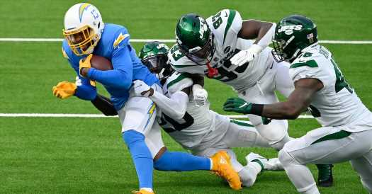 Jets' Second-Half Push Falls Short Against Chargers