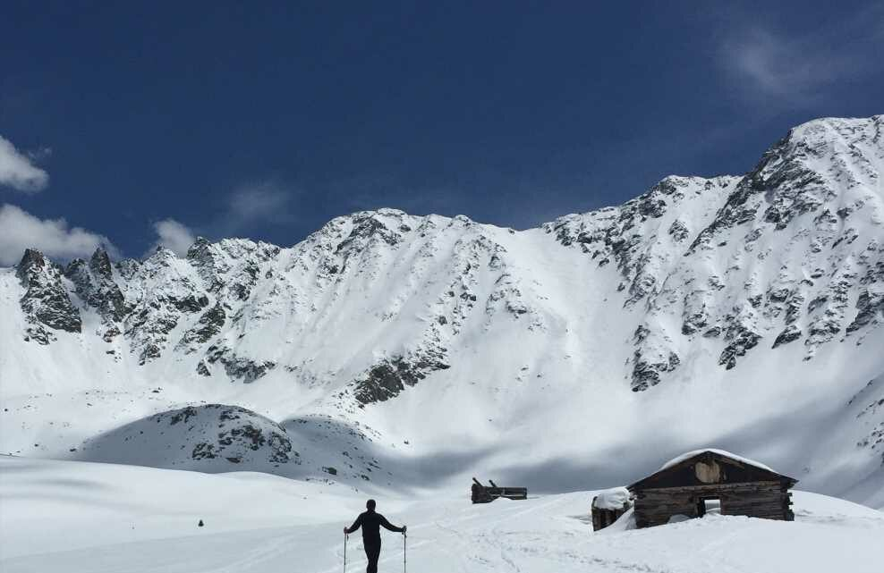 """Backcountry skiing, avalanche safety calsses seeing """"record"""" interest"""