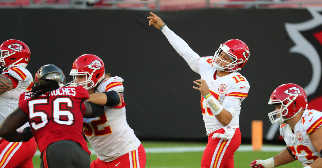 Brady Puts Up a Fight, but It's Mahomes and the Chiefs' Day