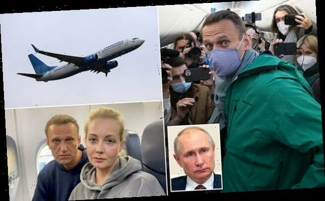 Alexei Navalny boards plane for Moscow despite threats of arrest