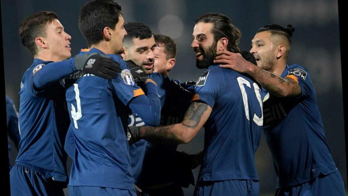 Porto vs Benfica FREE: Live stream, TV channel, team news and kick-off time for Primeira Liga clash TONIGHT