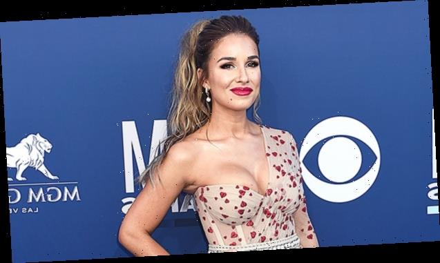 Jessie James Decker Reveals How She's Losing The 'Quarantine 10' With Her Own Healthy Recipes