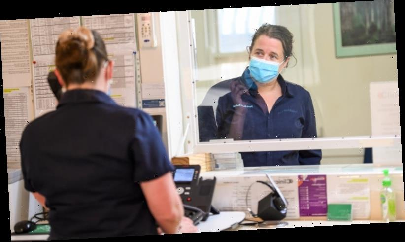 'There's nothing to offer': GPs inundated with calls as Victorians rush to book COVID-19 jabs