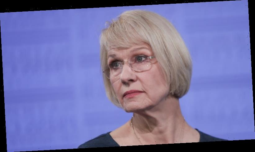 International student numbers plunge as Universities Australia defends lobbying efforts