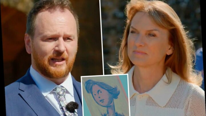 Antiques Roadshow expert fights back tears remembering late mother during Fiona Bruce interview