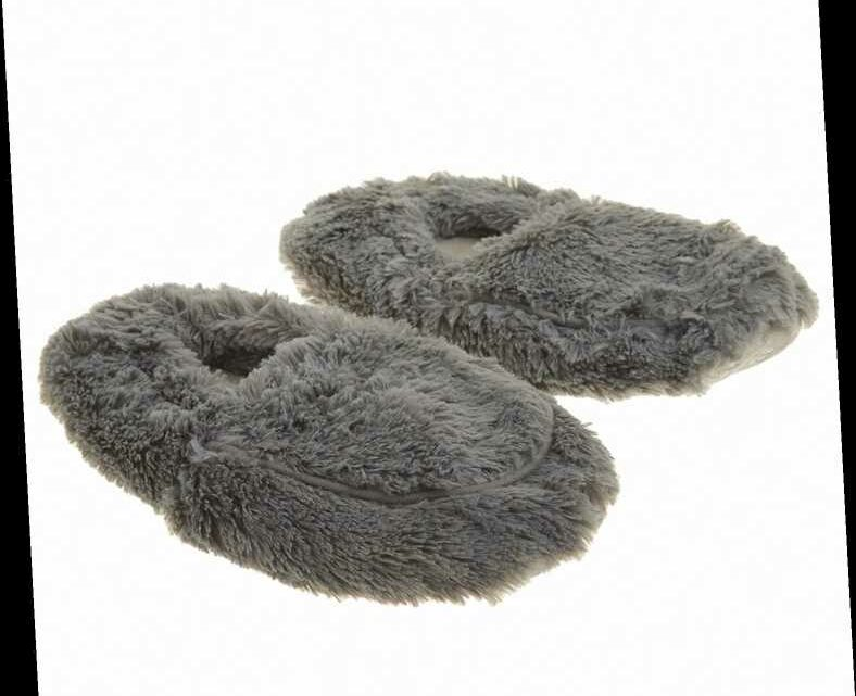 These Oprah-Approved Microwavable Slippers Are a Miracle for Chronically Cold Feet