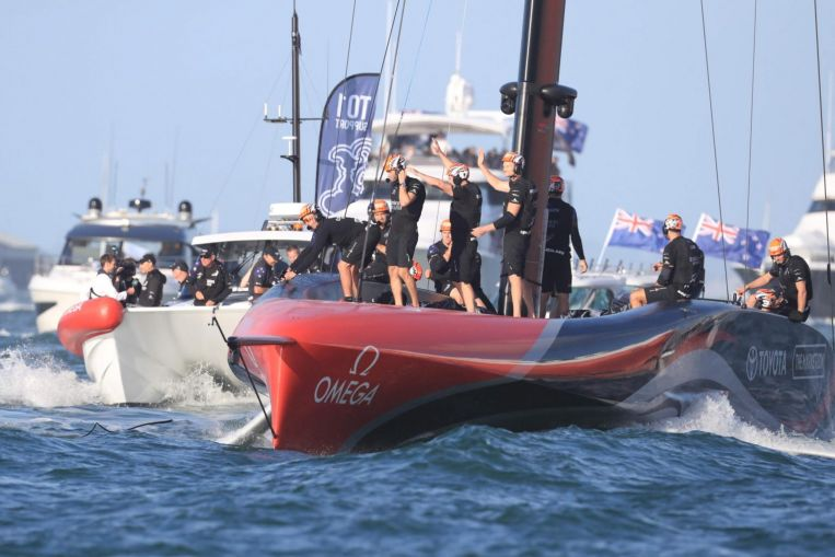 Sailing: Team New Zealand win America's Cup 7-3