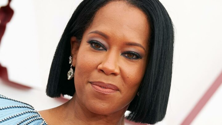 Body Language Expert Noticed Regina King Did This One Thing In Her Opening Speech