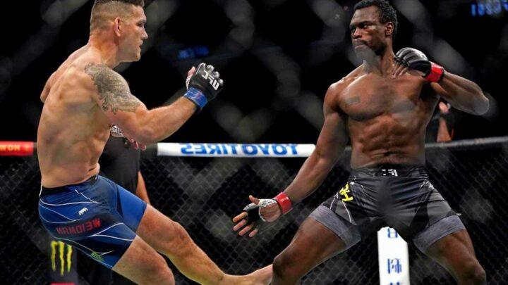 Chris Weidman receives message of support from former foe Anderson Silva after horrific leg break at UFC 261