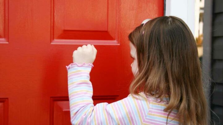 People totally divided over name of the game where you knock on a front door and run away