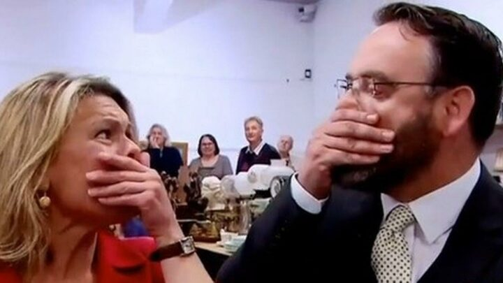 Antiques Road Trip expert amazed as £60 camera sells for record-breaking £20,000