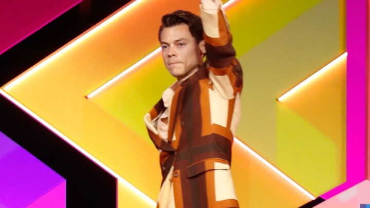 Harry Styles Dedicates His Win to Frontline Workers at Brit Awards 2021