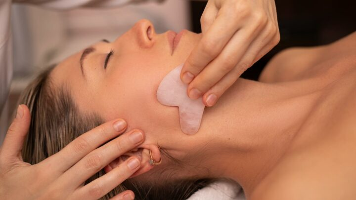 Here's What You Know Know About Using A Gua Sha For Your Acne