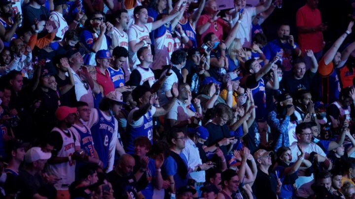 Knicks fans made this night at the Garden unforgettable