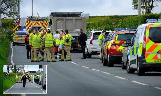 School bus smash injures 13 children on way to Welsh secondary