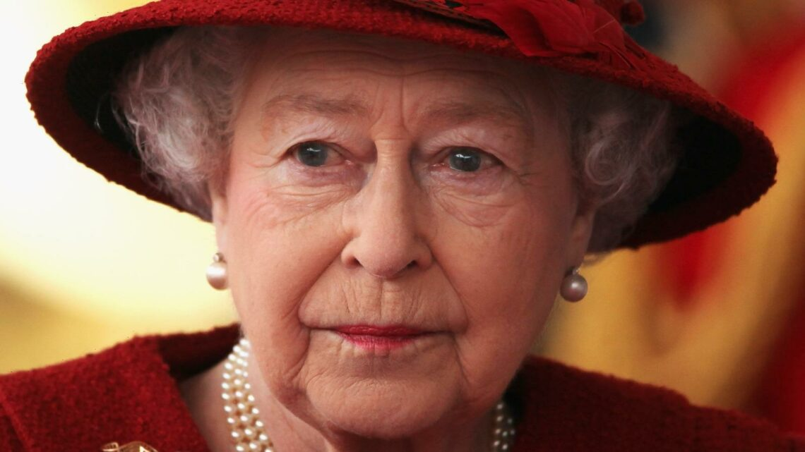 The Truth About The Queen's Relationship With Lady Anne Glenconner
