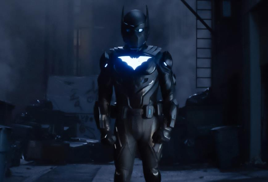 Batwoman Finale Recap: Batwing Arrives — Plus, Are Poison Ivy and the Penguin Headed to Gotham?