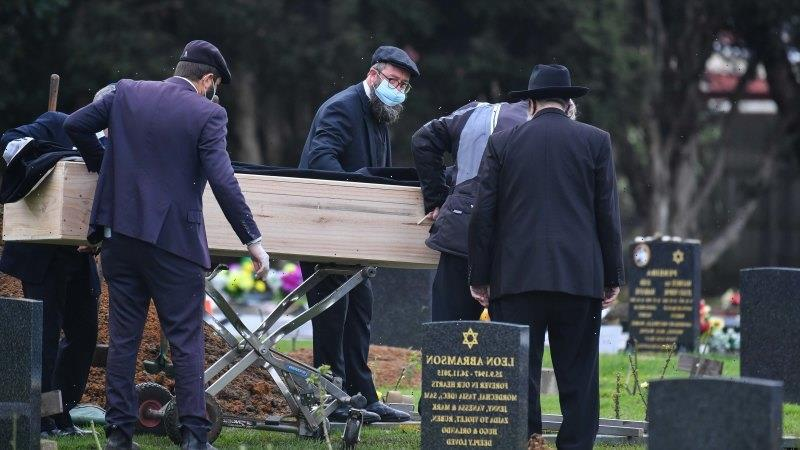 Colourful businessman Geoffrey Edelsten remembered at small, simple funeral