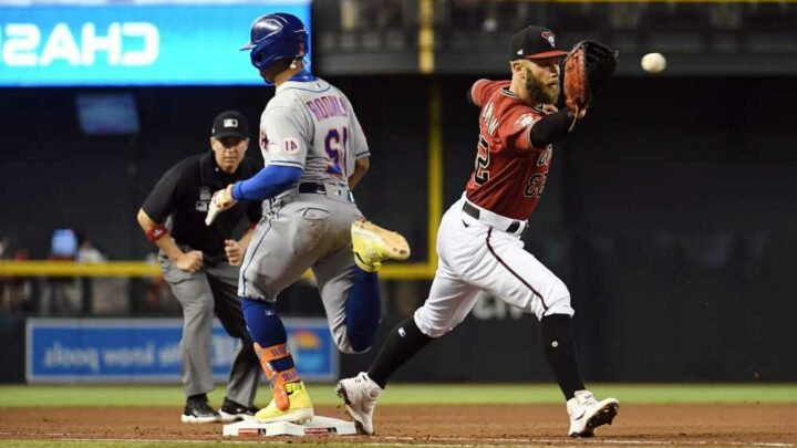 Francisco Lindor's three-hit outburst helps Mets win ugly one