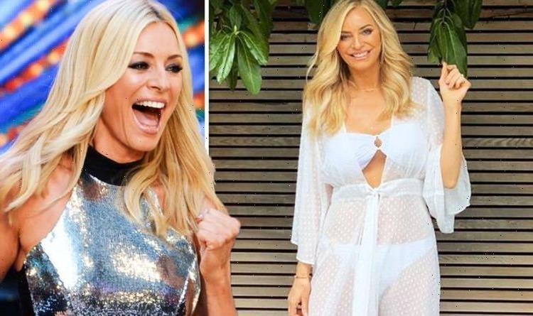 Tess Daly: Strictly host, 52, sends pulses racing as she flaunts figure in blue bikini