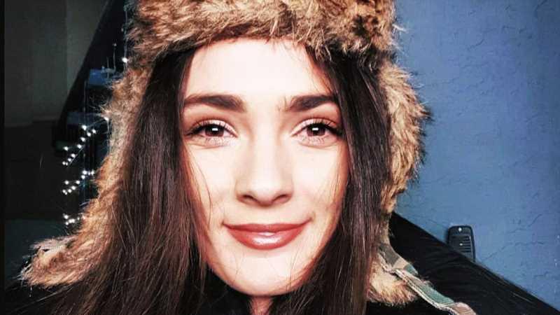 The Heartbreaking Death Of Leatherface Actress Lorina Kamburova