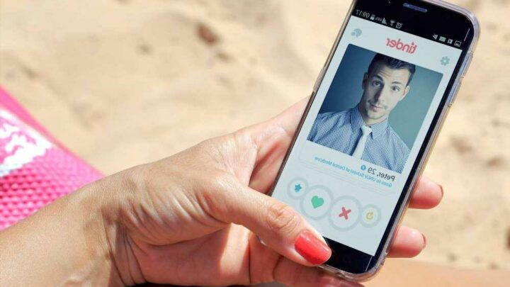 Tinder users can now block everyone they know in real life