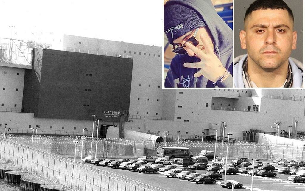 Brooklyn gangster helped friend after escape from Rikers jail barge: feds