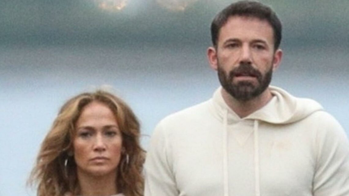 Jennifer Lopez and Ben Affleck Do His-and-Hers Athleisure